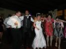 Swiss wedding - Tenuta Quadrifoglio - Dance with friends